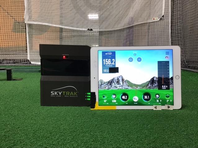 ヴィクトリアゴルフスクール世田谷店の弾道測機SKYTRAK(スカイトラック)